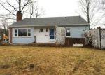 Foreclosed Home en SYLVESTER ST, Meriden, CT - 06450