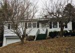 Foreclosed Home en HART ST, Watertown, CT - 06795
