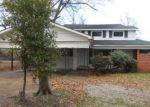 Foreclosed Home en W HARDING AVE, Greenwood, MS - 38930