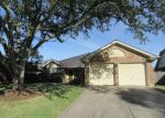 Foreclosed Home en DUESENBERG DR, Pearland, TX - 77584