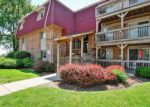 Foreclosed Home en TALL OAKS DR, Aurora, IL - 60505