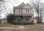 Foreclosed Home en S BROADWAY ST, Shelbyville, IL - 62565