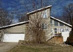 Foreclosed Home en WINDSOR FOREST DR, Louisville, KY - 40272