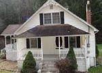 Foreclosed Home en PINE CREEK RD, Swords Creek, VA - 24649