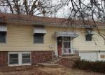 Foreclosed Home en PARK HILLS DR, Grandview, MO - 64030