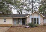 Foreclosed Home en OAKWOOD PL, Waynesboro, MS - 39367