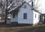 Foreclosed Home en S WEAVER AVE, Springfield, MO - 65806