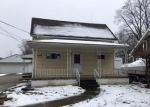 Foreclosed Home en GLENWOOD ST, Clinton Township, MI - 48035