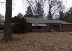 Foreclosed Home en S MISSOURI AVE, Belleville, IL - 62220