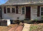 Foreclosed Home en RAYBURN AVE, Guntersville, AL - 35976