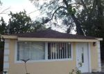 Foreclosed Home en E SHADOWLAWN AVE, Tampa, FL - 33610
