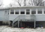 Foreclosed Home en PETTICOAT LN, Troy, NY - 12180