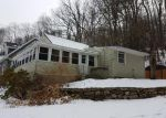 Foreclosed Home en HOSIER RD, Plymouth, CT - 06782