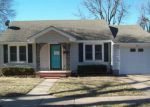 Foreclosed Home en S APPLE AVE, Newkirk, OK - 74647