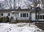 Foreclosed Home en DAY AVE, Piscataway, NJ - 08854