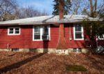 Foreclosed Home en PETERSBURG RD, Hackettstown, NJ - 07840