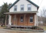 Foreclosed Home en SPRING ST, Hope Valley, RI - 02832