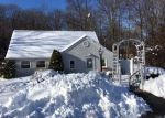 Foreclosed Home en CLERMONT ST, Oakville, CT - 06779