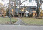 Foreclosed Home en WOODBRIAR DR, Houston, TX - 77068