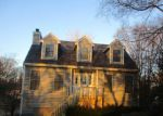 Foreclosed Home en S HICKORY AVE, Fox Lake, IL - 60020