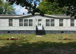 Foreclosed Home en W RIDGE ESTATES DR, Glen Saint Mary, FL - 32040