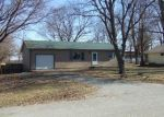 Foreclosed Home en S WOODWORTH RD, Milford, IL - 60953