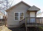 Foreclosed Home en W BURNETT AVE, Louisville, KY - 40210