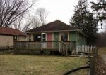 Foreclosed Home en N WILLOW LN, Antioch, IL - 60002