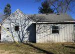 Foreclosed Home en E SUNSET DR, Wonder Lake, IL - 60097