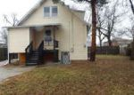 Foreclosed Home en S 18TH AVE, Maywood, IL - 60153