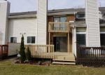 Foreclosed Home en PEBBLE BEACH CT, Naperville, IL - 60563