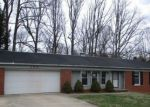 Foreclosed Home en HILLCREST CT, Russell, KY - 41169