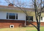 Foreclosed Home en CEDAR ST, Pineville, KY - 40977