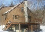 Foreclosed Home en SHIRLEY CIR, Townshend, VT - 05353