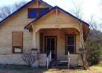 Foreclosed Home en FERGUSON ST, Taylor, TX - 76574