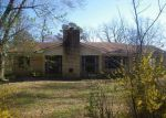 Foreclosed Home en ECKFORD ST, Water Valley, MS - 38965