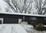 Foreclosed Home en MEADOW LN, Waterloo, IA - 50701