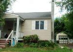 Foreclosed Home en GERTRUDE TER, Dunellen, NJ - 08812