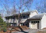 Foreclosed Home en DEER HOLLOW DR, Toms River, NJ - 08753