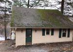 Foreclosed Home en GOLDFINCH LN, Hewitt, NJ - 07421