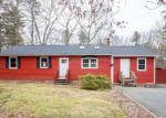 Foreclosed Home en ROBINWOOD DR, Hope, RI - 02831