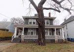 Foreclosed Home en E 7TH ST, Alton, IL - 62002