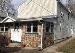 Foreclosed Home en RISING SUN AVE, Temple, PA - 19560