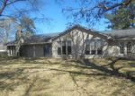 Foreclosed Home en FM 563 RD, Liberty, TX - 77575