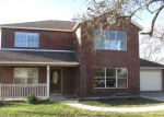 Foreclosed Home en NINE PATCH DR, Poteet, TX - 78065