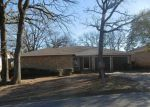 Foreclosed Home en BECKWOOD DR, Fort Worth, TX - 76112