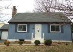 Foreclosed Home en OAKLAND CT, Meriden, CT - 06450