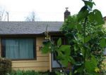 Foreclosed Home en E ST, Springfield, OR - 97477