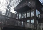 Foreclosed Home en FRUIT DR, Akron, OH - 44319