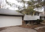 Foreclosed Home en LESTER ST, West Chicago, IL - 60185